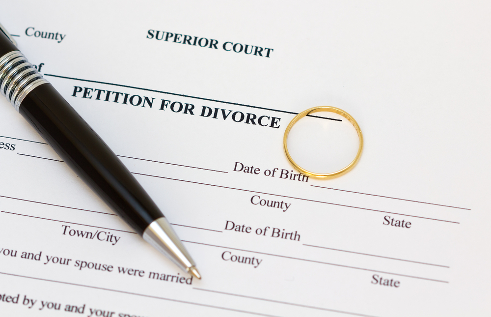 What happens When You Don't Sign the Divorce Papers?